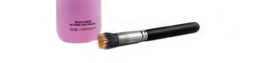 MAC Brush Cleanser mit Pinsel