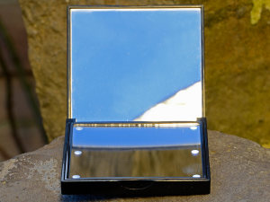 Flo-Taschenspiegel in der Fronantsicht