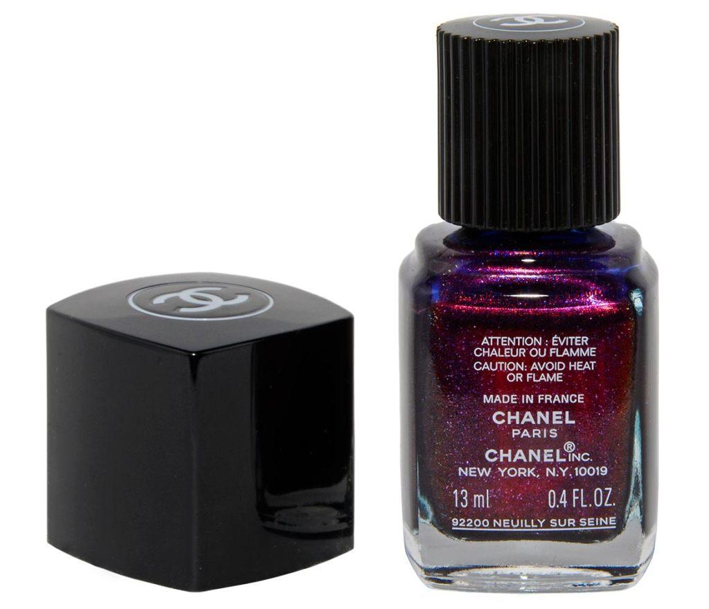 Chanel Le Vernis Taboo in der Rückansicht